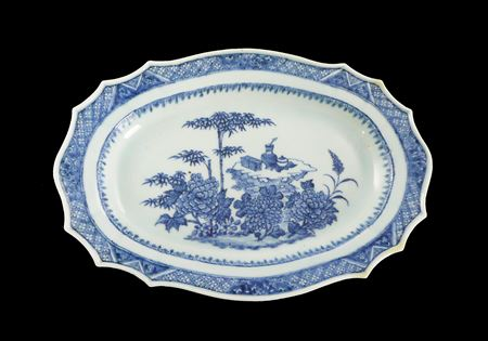Chinese export porcelain blue and white meatdish