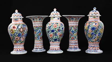 sold: Five piece famille verte garniture