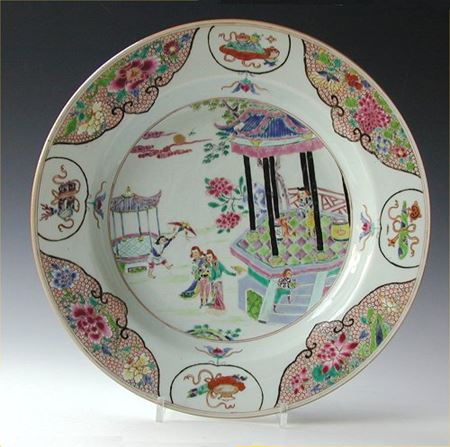 Famille rose dish with European subject