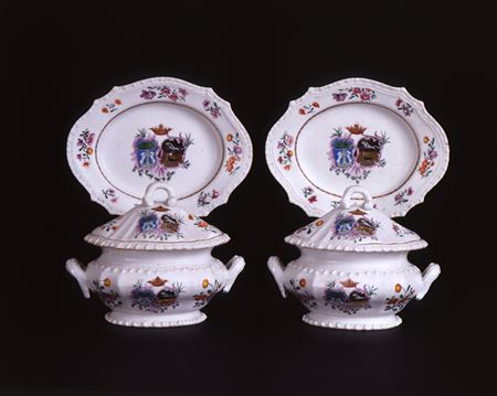 PAIR OF ARMORIAL SAUCE TUREENS, COVERS & STANDS