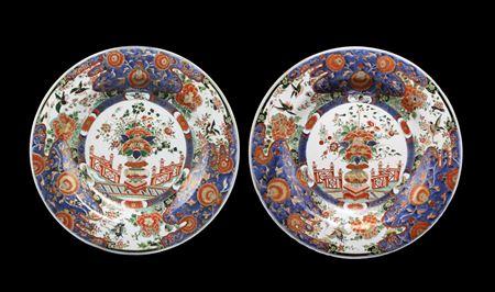 pair of Chinese export porcelain verte imari chargers