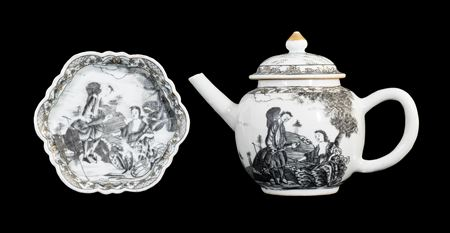 chinese eport porcelain teapot,cover and stand painted en grisaille with a european subject