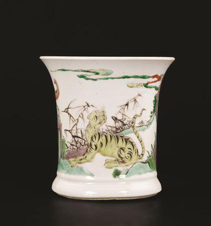 chinese famille verte porcelain brushpot bitong