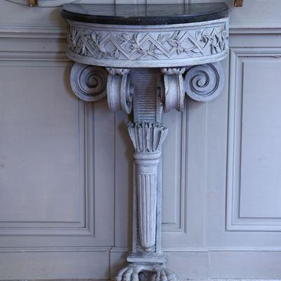 Console demi-lune d'entrefenêtres vers 1780