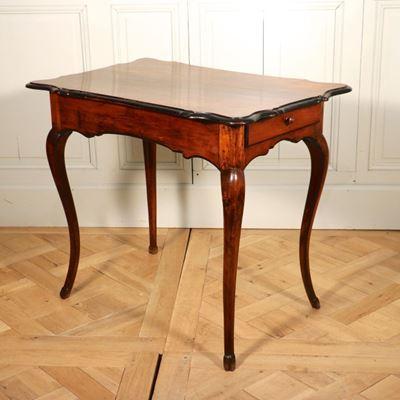 Table en noyer vallée du Rhône XVIIIe siècle