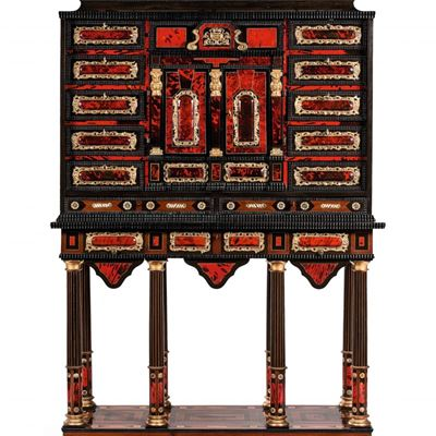 Cabinet flamand datant du XVIIe siècle