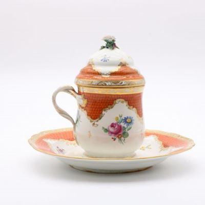 Pot couvert et son présentoir en porcelaine de Vienne appelé « Cherbetlik »
