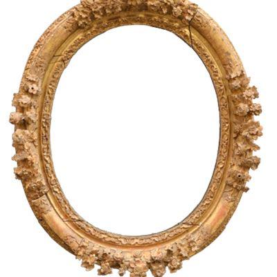 Important cadre ovale en bois doré formant miroir