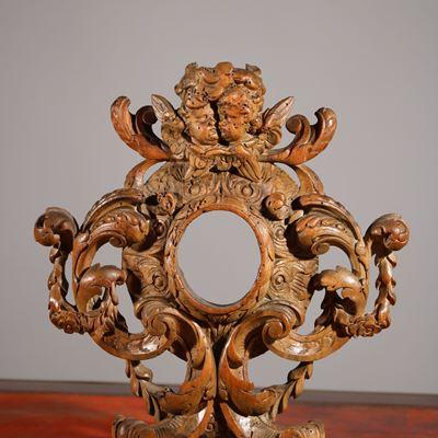 Porte-relique en tilleul sculpté