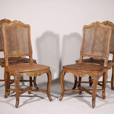 Ensemble de quatre chaises en bois peintes estampillé T Marion