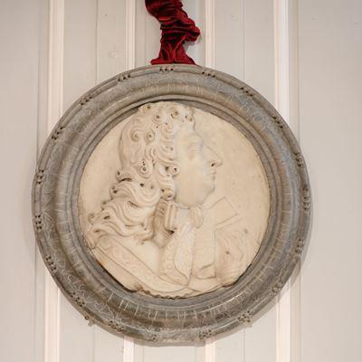 Médaillon représentant Louis XIV de profil