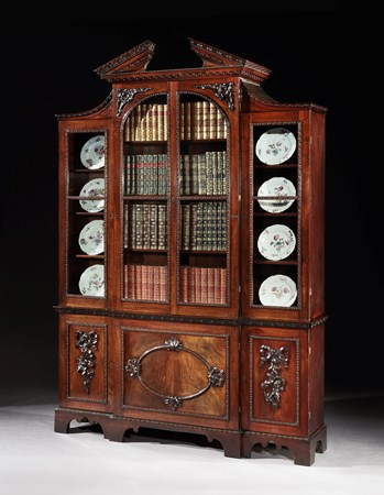 A GEORGE II MAHOGANY BOOKCASE ATTRIBUTED TO WILLIAM VILE