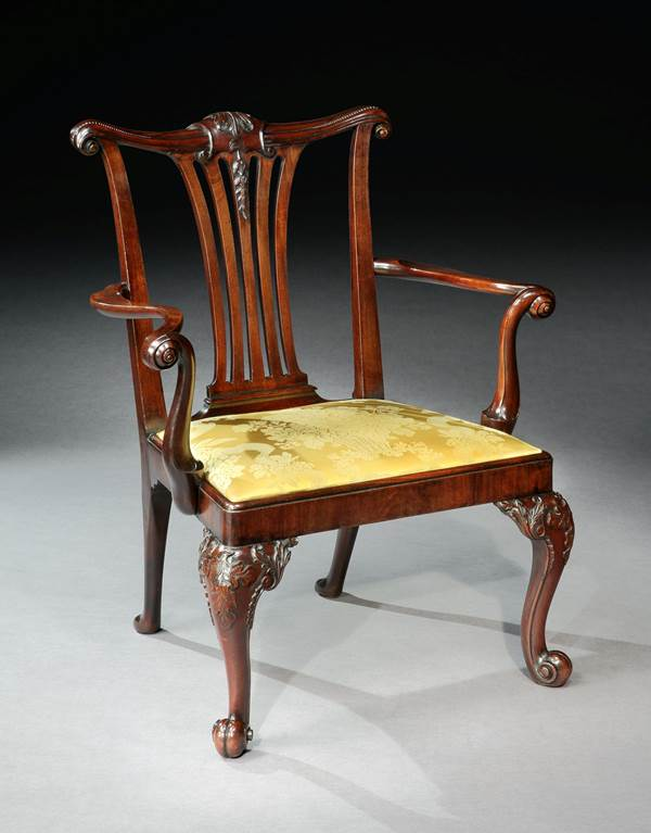 A GEORGE II MAHOGANY ARMCHAIR ATTRIBUTED TO GILES GRENDEY