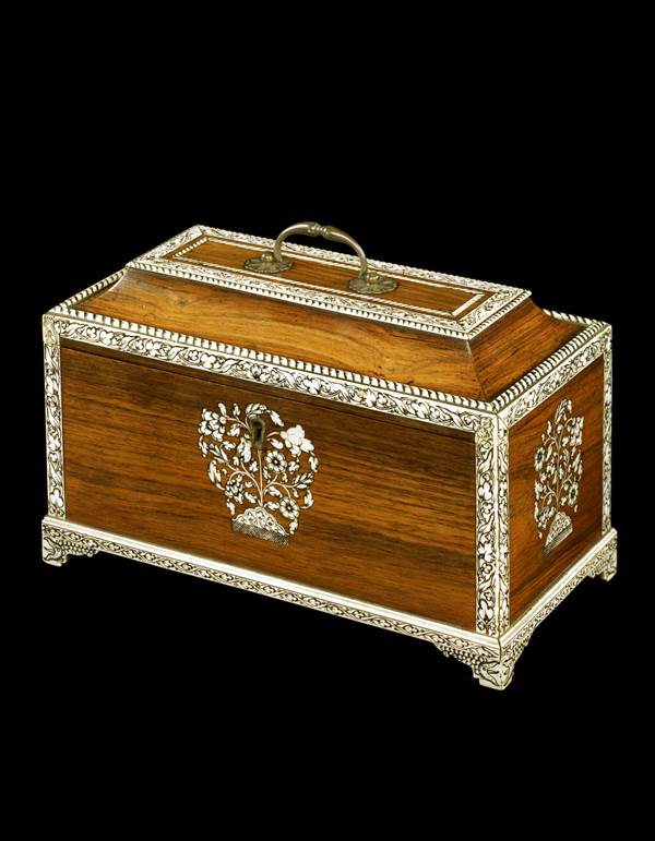 A GEORGE III ANGLO-INDIAN IVORY INLAID ROSEWOOD TEA CADDY