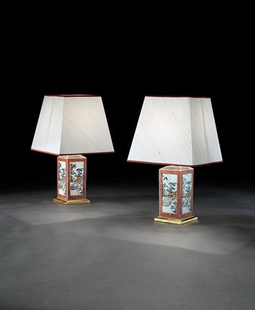 A PAIR OF KENGO IMARI TOGURI PORCELAIN BOTTLES MOUNTED AS LAMPS