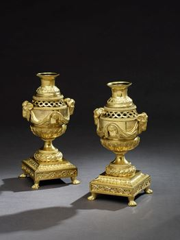 A PAIR OF GEORGE III ORMOLU CASSOLETTES