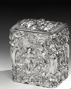 A GEORGE III STERLING SILVER RECTANGULAR TEA CADDY BY FRANCIS CRUMP