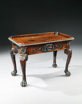 A RARE GEORGE II PERIOD MAHOGANY CENTRE TABLE