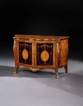 A GEORGE III COMMODE ATTRIBUTED TO PIERRE LANGLOIS