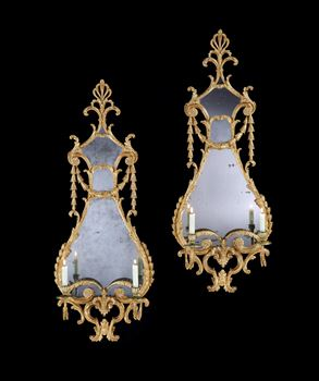 A PAIR OF GEORGE III GILTWOOD GIRANDOLES