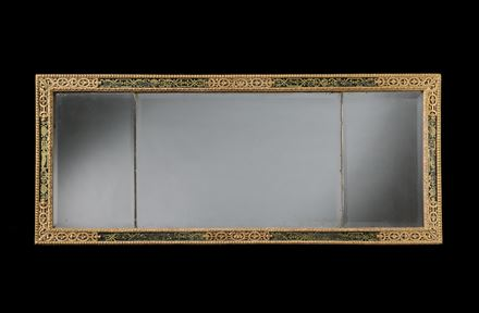 A QUEEN ANNE VERRE ÉGLOMISÉ AND GILTWOOD OVERMANTEL MIRROR