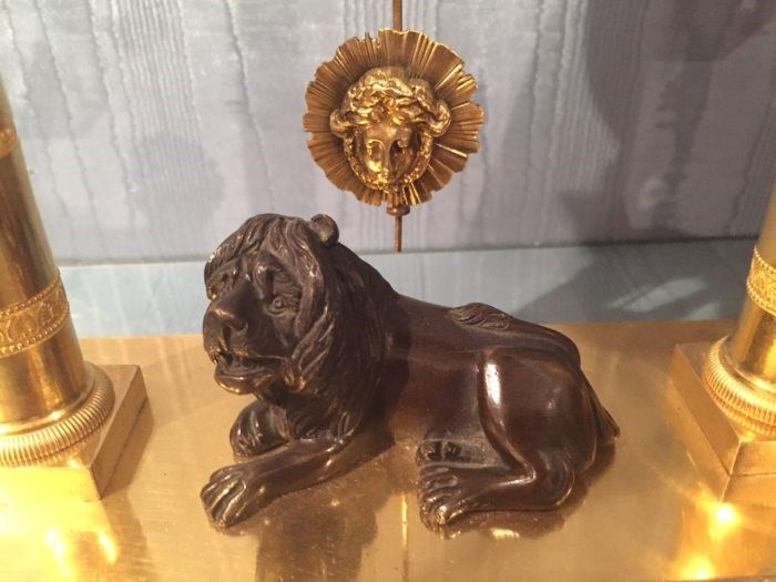 Detail of the bronze lion on Baetens clock. Raffety Ltd.