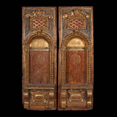An exceptional pair of wall panels in carved, gilded and painted wood, Venice, late 16th century (172 cm high, 57 cm wide, 16 cm deep)