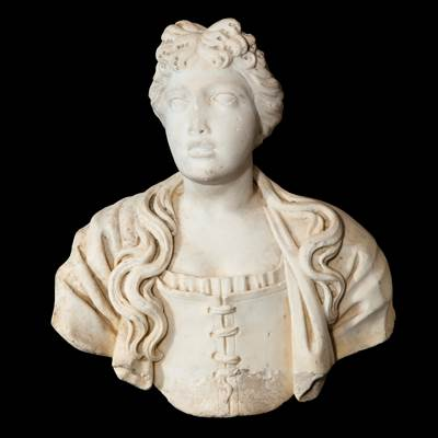 A rare marble woman bust, Italy, early 17th century, on a scagliola column, 18th century
